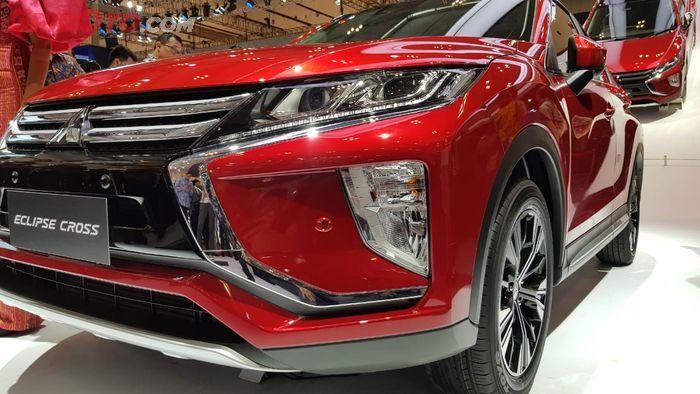 Lampu Utama Mitsubishi Eclipse Cross Berada di Atas