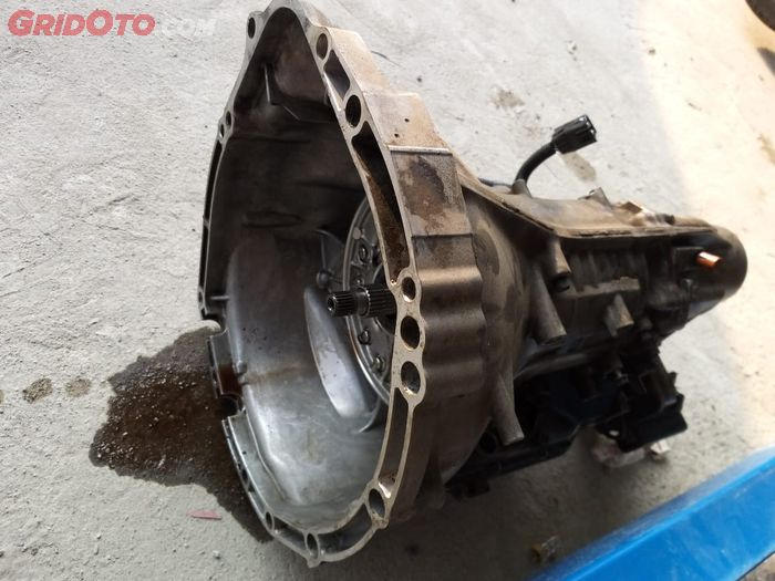 Transmisi matik bisa bocor karena seal yang rusak