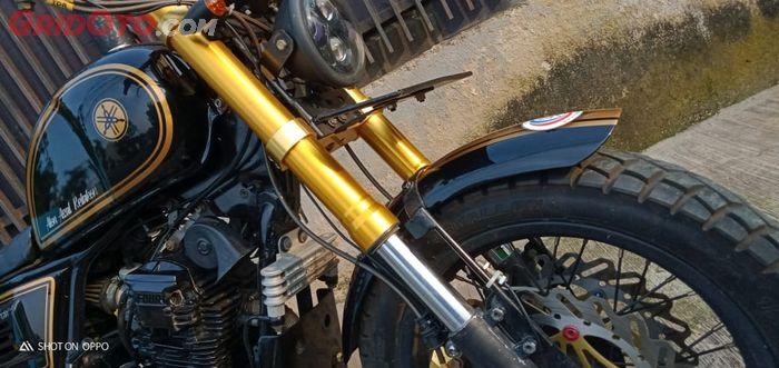 Kaki-kaki Scrambler basis Yamaha Scorpio gagah dengan sok USD dan pelek jari-jari