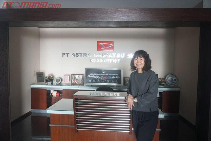 Amelia Tjandra, selaku Direktur Pemasaran ADM saat ditemui GridOto.com di kantornya yang terletak di kawasan Sunter, Jakarta Utara