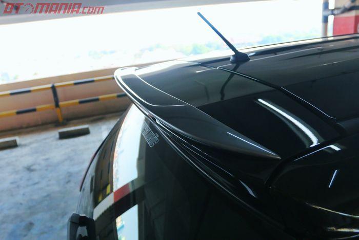 Duck tail sepaket dengan body kit Xpander lansiran W7