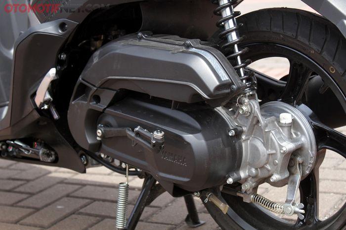 Mesin Yamaha Gear 125 punya kesamaan dengan FreeGo yang punya filter udara panjang melebihi suspensi belakang