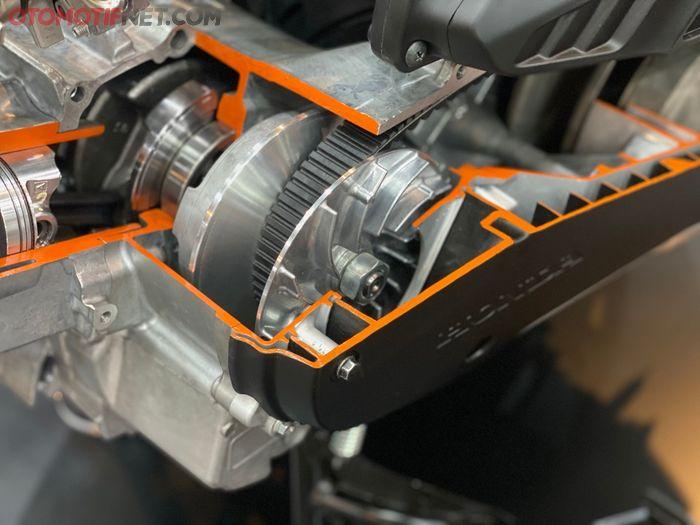 Bobot roller dari Honda PCX 160 adalah 19 gram dengan V-belt yang lebih panjang