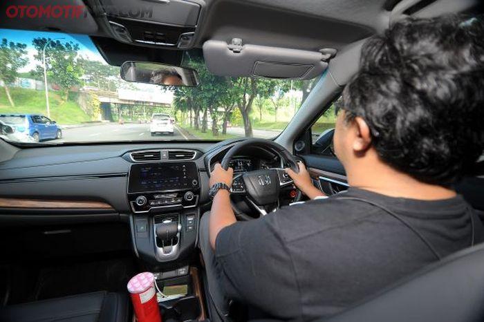 Penguji otomatis mencoba menguji performa teknologi Honda Sensing di CR-V2021 baru