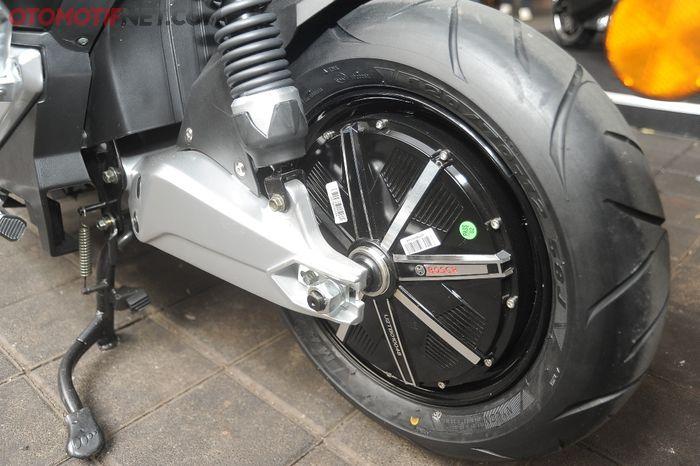 Sebagai penggerak United E-Motor T1800 menggunakan brushless-hub electric motor dari Bosch