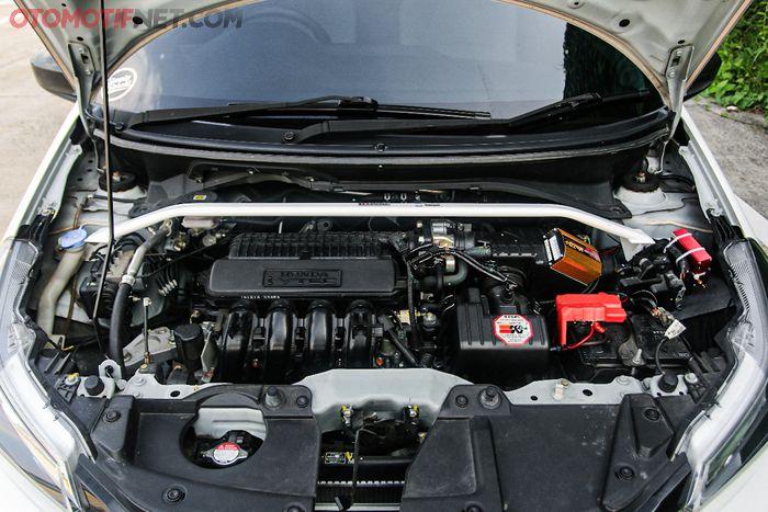 Tampilan mesin modifikasi Honda Brio milik Paul
