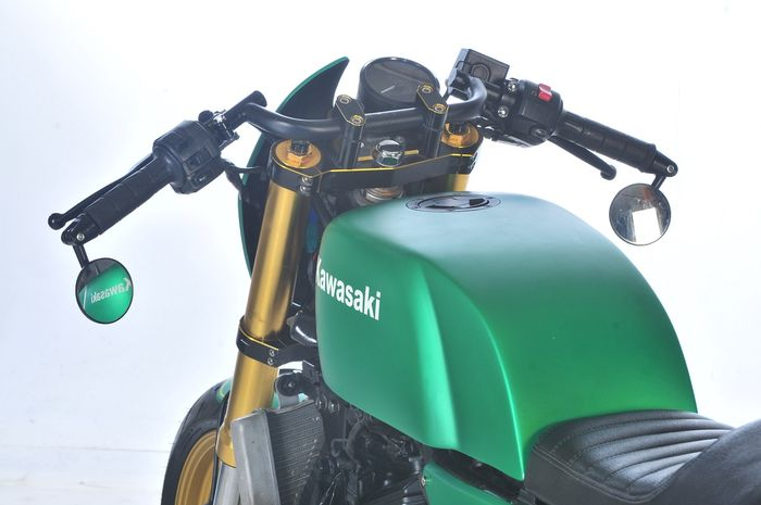 Tangki Ninja 250R Cafe Racer custom dari bahan plat besi