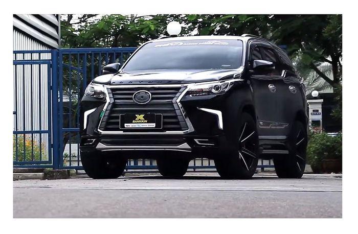 Modifikasi Toyota Fortuner pakai gril model Lexus