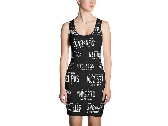 Dress untuk wanita yang diberi gambar pola pelat nomor palsu guna mengelabui kamera pengawas