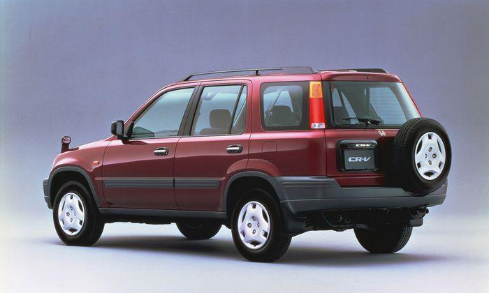 Bagian belakang Honda CR-V generasi pertama