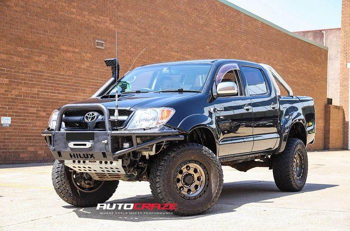Modifikasi Toyota Hilux lama tampil gagah