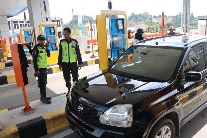 Pintu masuk Tol Balikpapan-Samarinda, Simpang Pasir, Palaran, Jumat (19/6/2020)