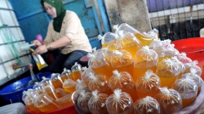 Minyak goreng dengan ciri-ciri ini tak layak konsumsi namun masih sering beredar di pasar.