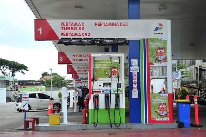 Ilustrasi SPBU. Pertamina kasih diskon bensin Pertamax dan BBM lain.