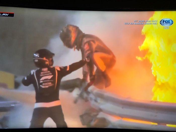 Crash mengerikan lap pertama F1 Bahrain 2020
