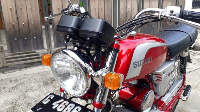 Headlamp dan spidometer ori Suzuki A100, hanya sein yang bukan orisinal