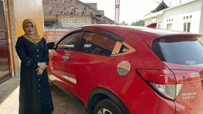 Honda HR-V milik Siti Nurul Hidayatin (32), salah satu warga Sumurgeneng, Jenu, Tuban yang jadi miliarder dadakan