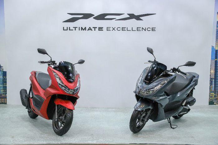 All New Honda PCX 160 yang berhasil sabet gelar Bike of The Year di ajang Otomotif Awards 2021.