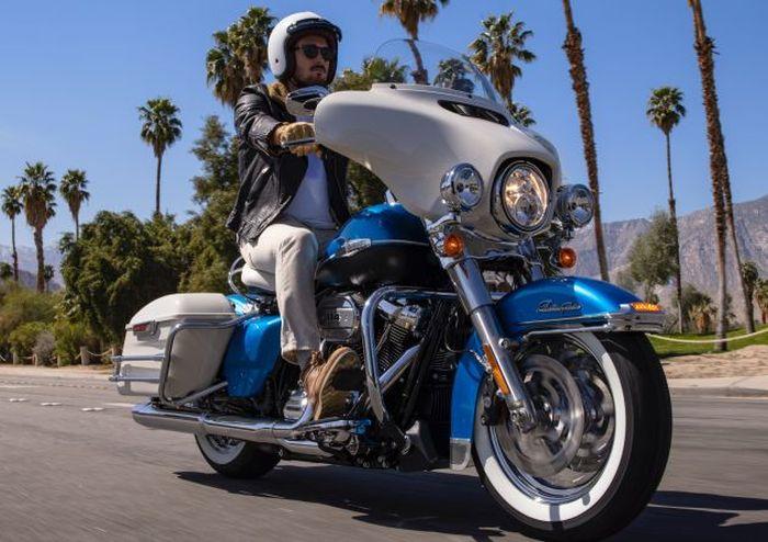 Harley-Davidson Electra Glide 2021 mengambil desain dari Electra Glide 1960-an.