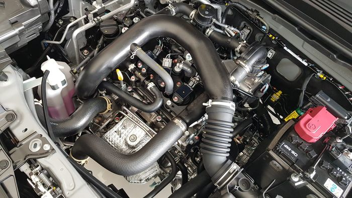 Mesin Daihatsu Rocky 1.000 cc, 3 silknder dengan turbocharger