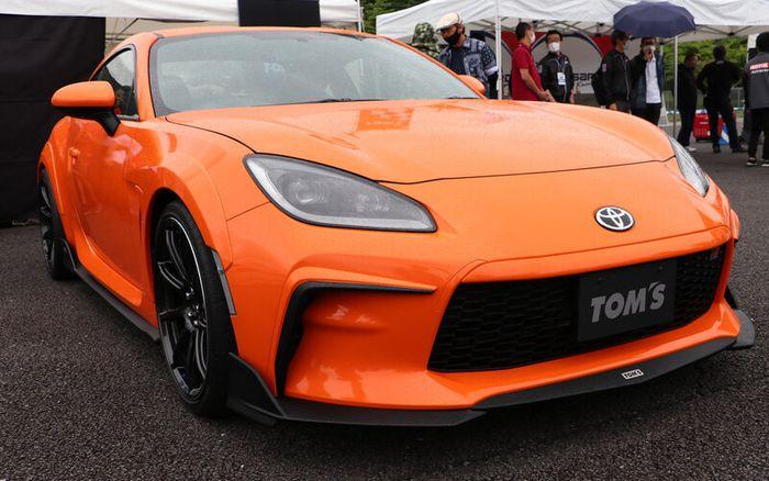 Modifikasi Toyota GR 86 hasil garapan TOM'S