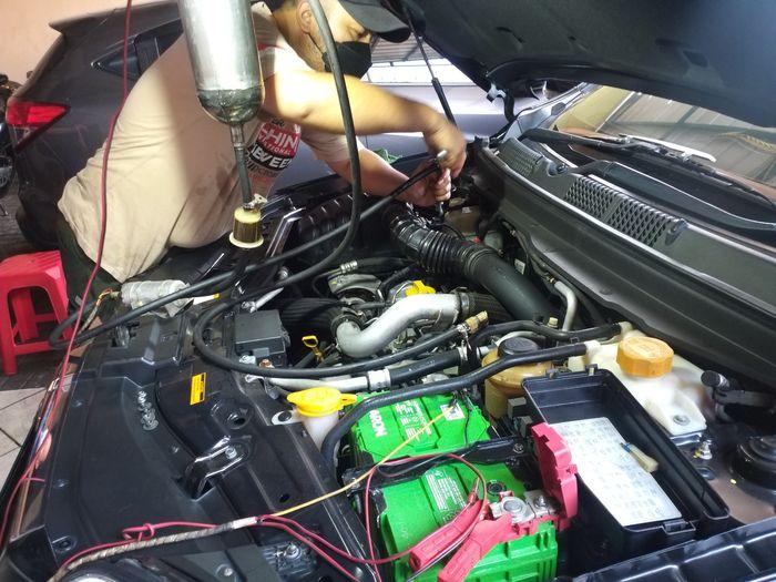 Air Intake System Cleaning (AISC) pada mesin diesel