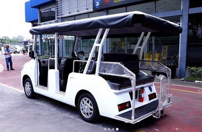 Ubahannya mulai dari bodi orisinal dari pilar A dipotong lalu dikonversi menjadi buggy mobil wisata dengan atap, custom bodi belakang,