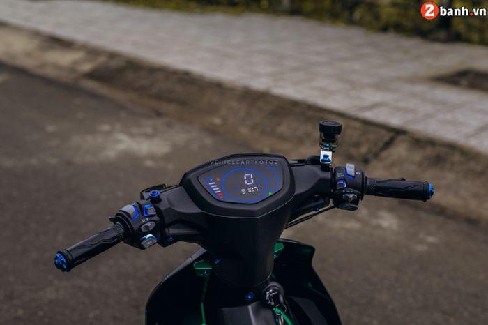 Panel speedometer diganti model digital dan pakai saklar Light Master yang apik