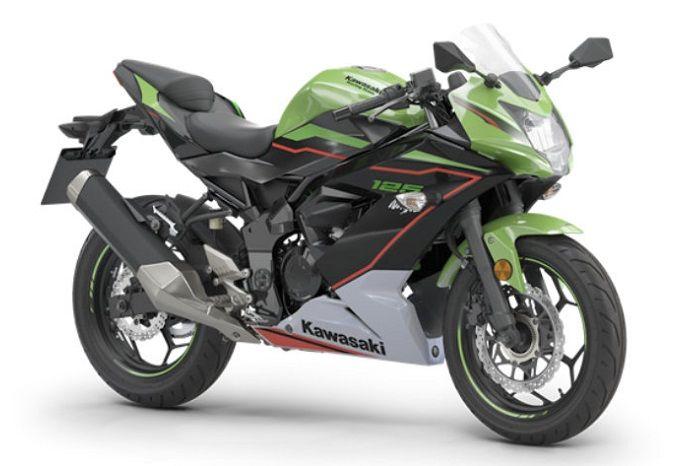 Motor sport baru Kawasaki Ninja versi pelajar resmi dirilis, lebih irit bensin harganya bikin bikers penasaran.