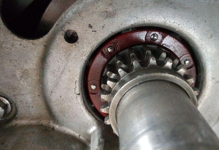 Bearing kruk as butuh oli mesin sebagai pelumas agar tidak mudah oblak