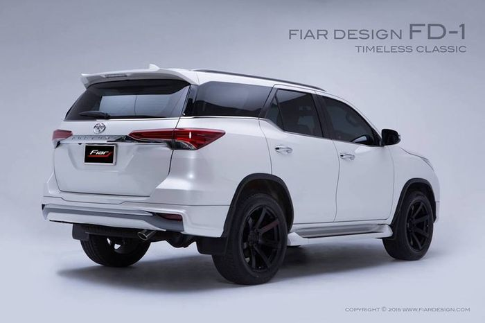 Toyota Fortuner pakai body kit dari Fiar Design