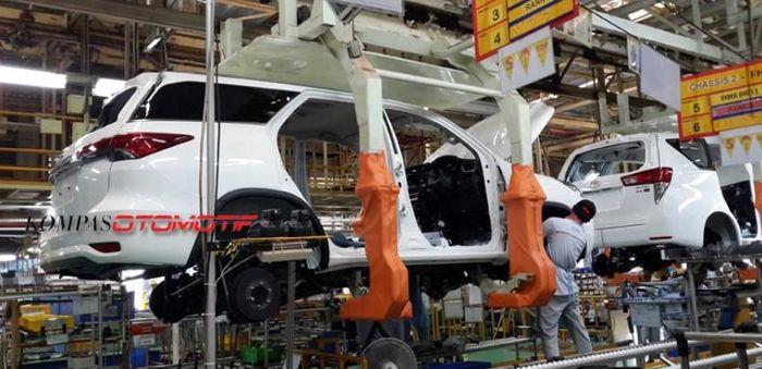 Perakitan di pabrik Toyota