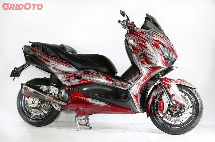 Yamaha XMAX dengan air suspension juara Master Denpasar