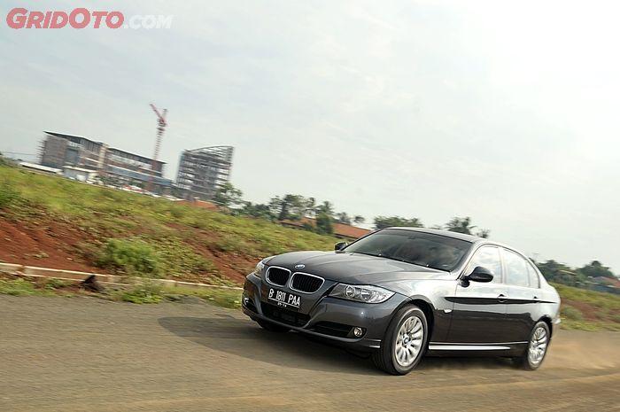 BMW 320i E90 LCI 2009 -2012