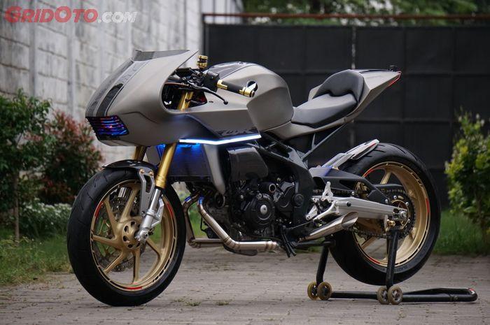Honda CBR250RR dirombak menjadi neo caferacer. Futuristik!