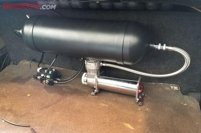 Tabung udara bertekanan air suspension