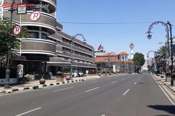 Ilustrasi Jalan Asia Afrika Kota Bandung  yang ditutup