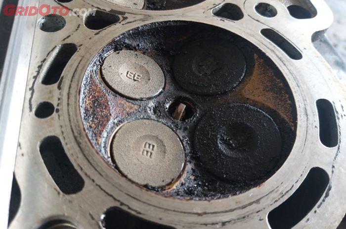 Ilustrasi kepala silinder mobil