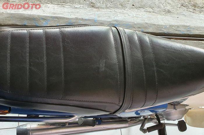 Fungsi tali jok pada jok bawaan Honda Astrea  Grand