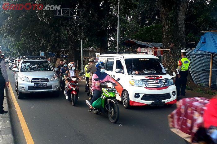 Penyekatan Larangan Mudik Lebaran 2021 di Check Point Jl. Raya Cilangkap (Batas Kab. Bogor)