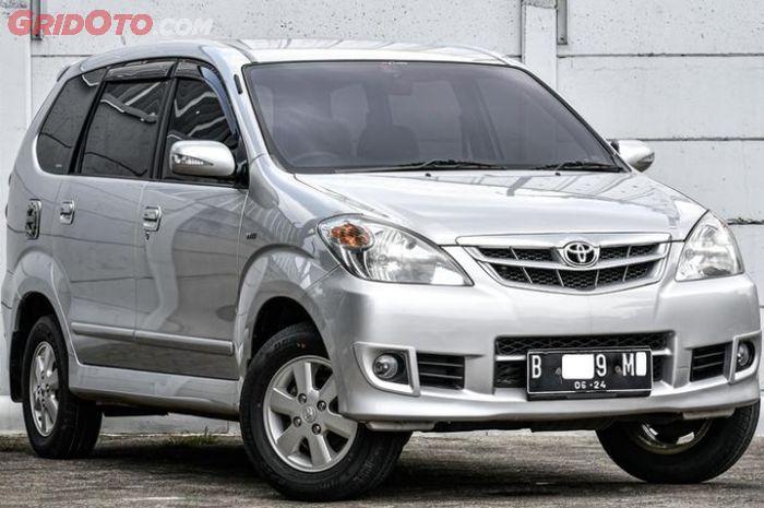 Mobil Bekas Toyota Avanza 2011