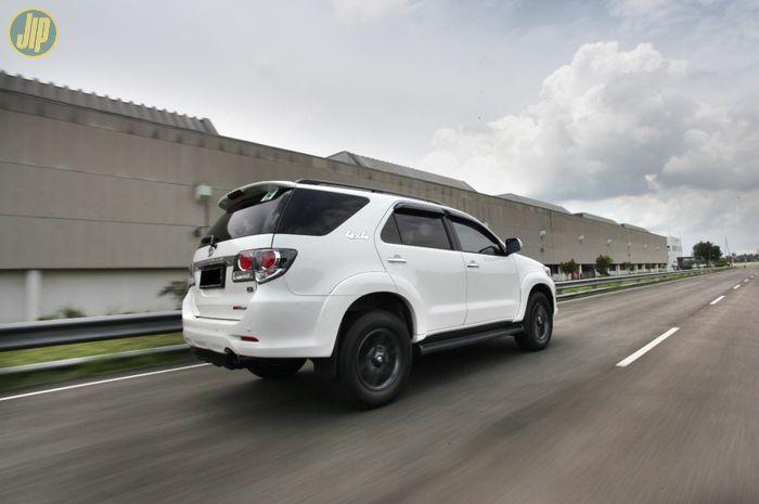 Body Toyota Fortuner 4WD 2015 Tetradrive