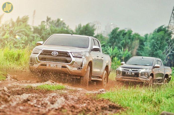 Komparasi Toyota Hilux vs Mitsubishi Triton