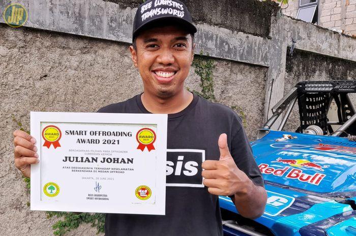 Julian Johan raih penghargaan Smart Offroading 2021