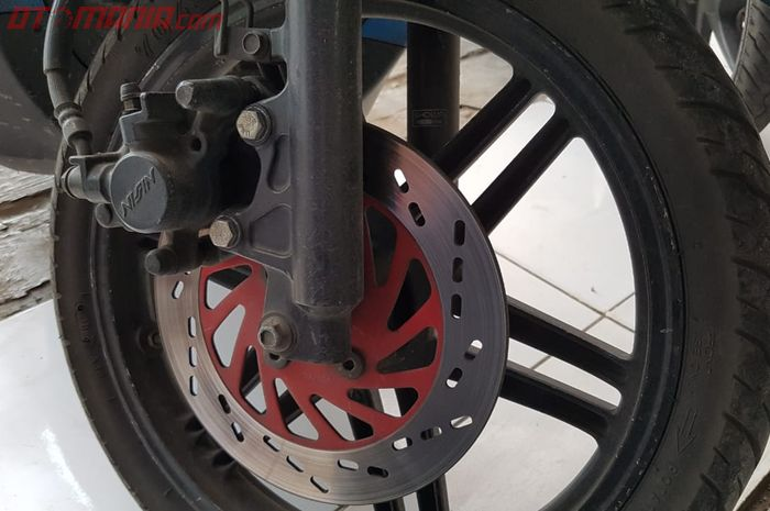 Rem cakram depan di Suzuki Spin 125