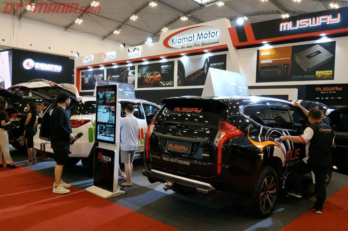 Suasana Booth Kramat Motor di GIIAS 2019.