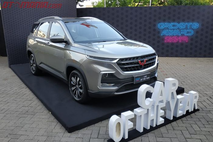 Wuling Almaz berhasil menyabet gelar sebagai Car of The Year GridOto Award 2019.