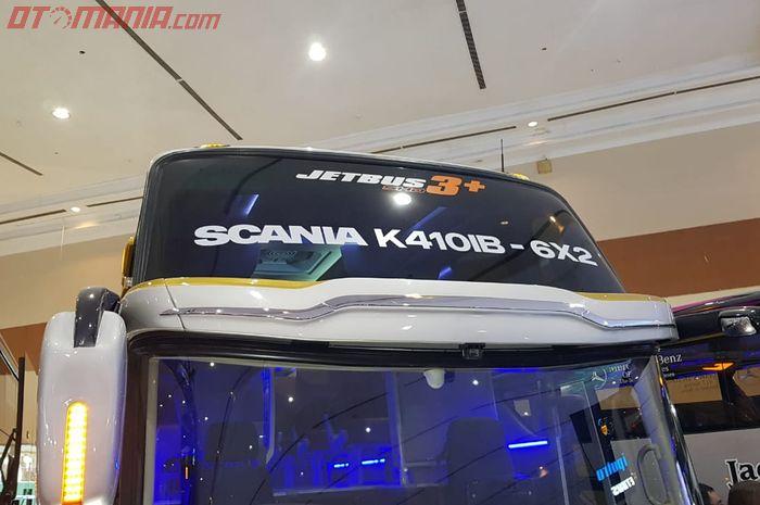 Armada Bus Karoseri Adiputro dengan Identitas Jetbus