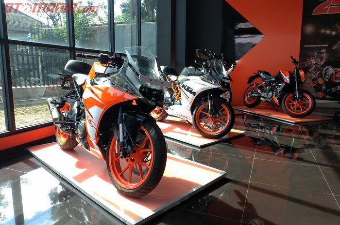 DP KTM Duke 200 dan RC 250 Dipangkas Sampai Dua Digit! Bayar Rp 1 Juta Sudah Bisa Dapet Motor Sport 250 cc!