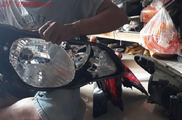 Perbaikan Lampu Mobil